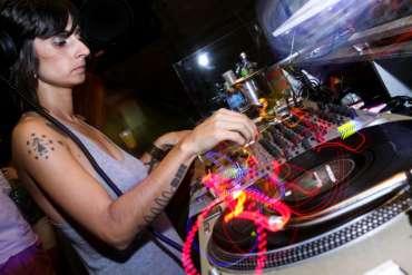 DJ_Aninha_